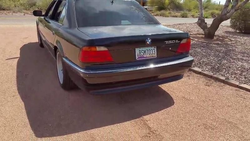 BMW E38 750il Straight Pipe VS. Stock Exhaust