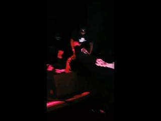 Rob stone вырубил  xxxtentacion на концерте-1.mp4