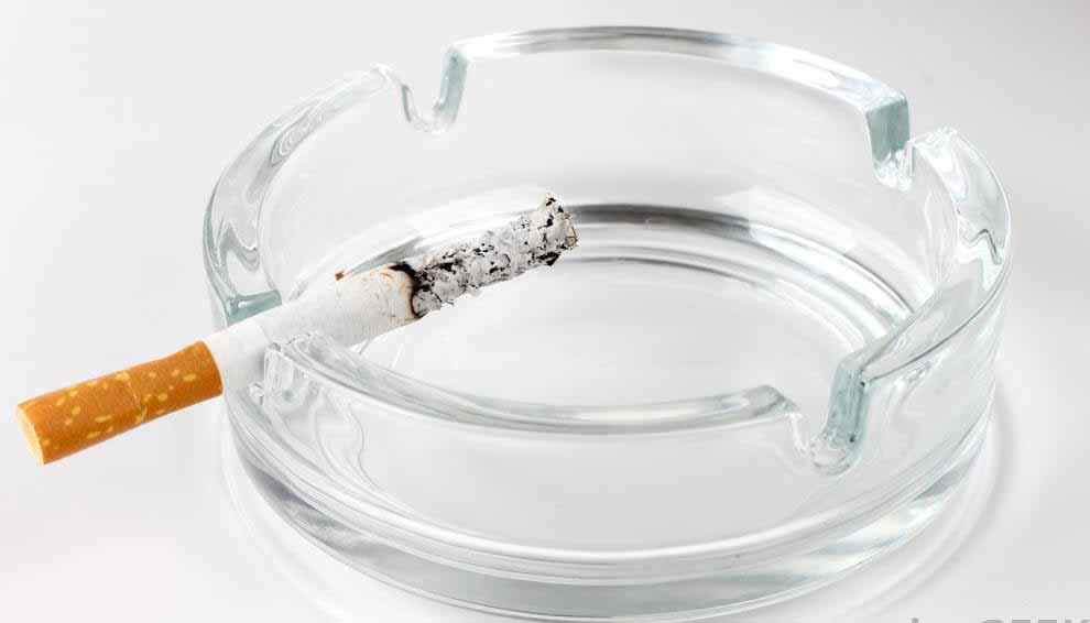 Курение тесно связано с раком легких.