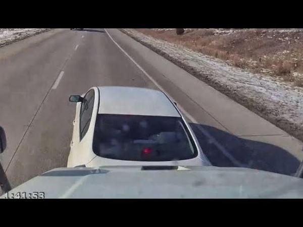 Brake Checks vs Semi Truck Driver. Brave or Crazy Man?