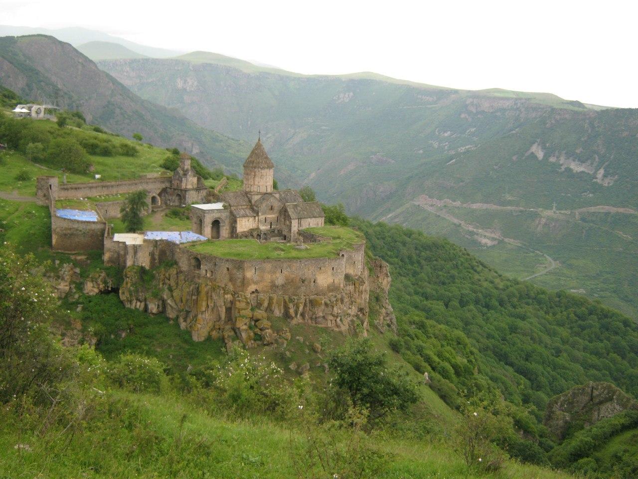 популярные красивые места в Армении