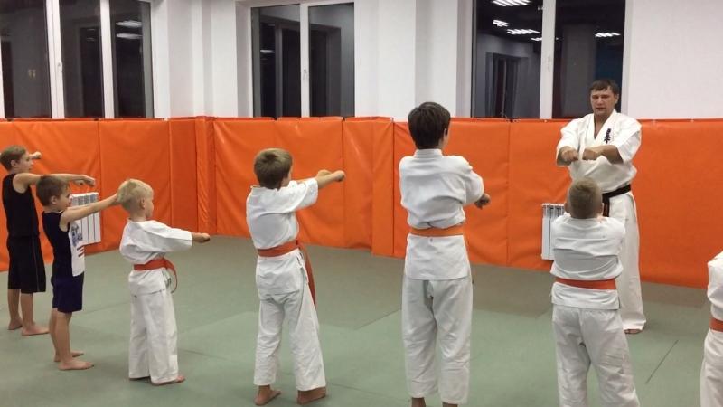 Киокушинкай каратэ в спортивной школе Рекорд