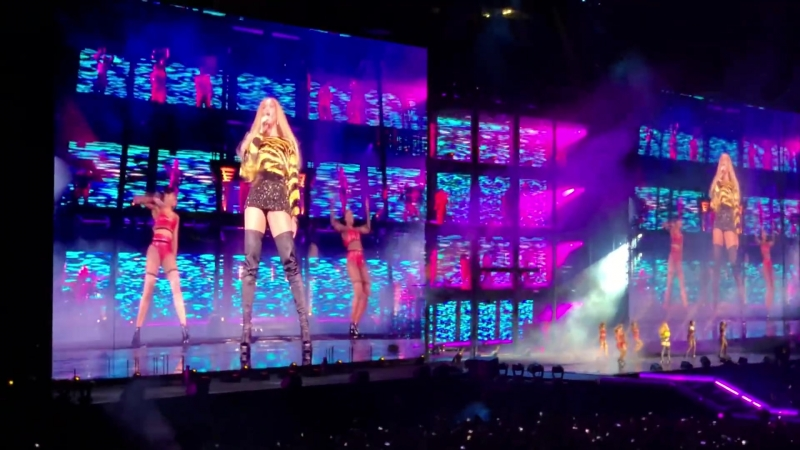 Jay Z Beyoncé - Baby Boy/ Mi Gente/ Bam/ Hold Up/ Countdown/ Sorry (Milan • On The Run II Tour)