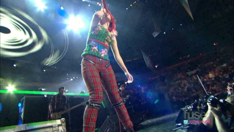 Paramore - [Z100's Jingle Ball 2010] (FullHD 1080p)