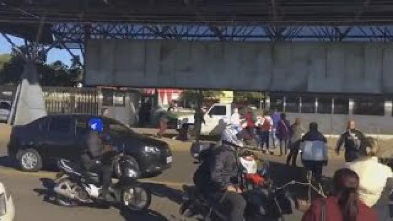 GREVE GERAL Manifestantes quase são atropelados durante bloqueio da BR-116