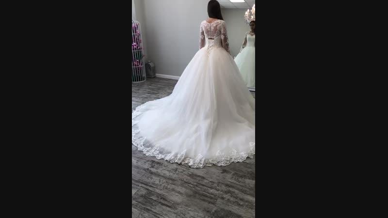 Свадебное платье с невероятным шлейфом 💟 тренд 2019 года. Доставка в любой город