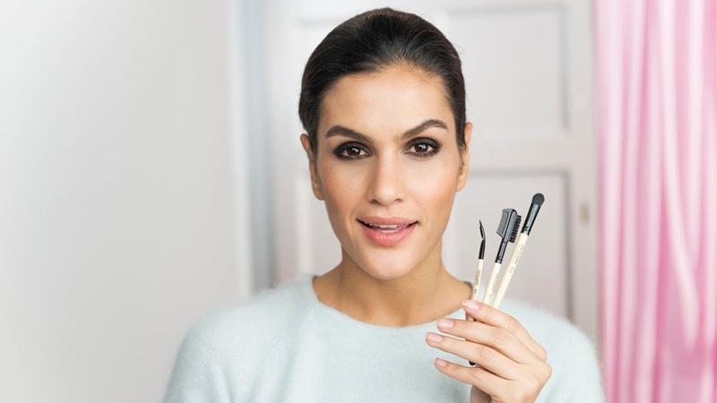Школа макияжа: выбираем кисть для смоки айс