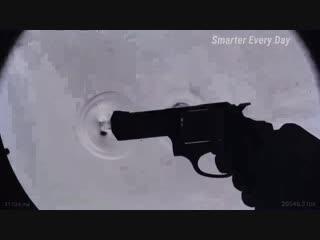 Визуализация ударной волны, создаваемой пулей в полёте