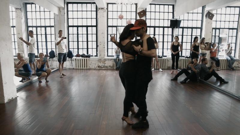 БАЧАТА (Bachata) Ismael Hidalgo Natalya Poddubnaya Summer Bachata Sensual Weekend (Monchy Y Alexandra - El Amante)