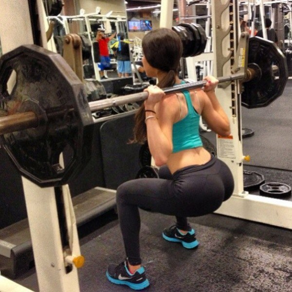 She squats over your face pov