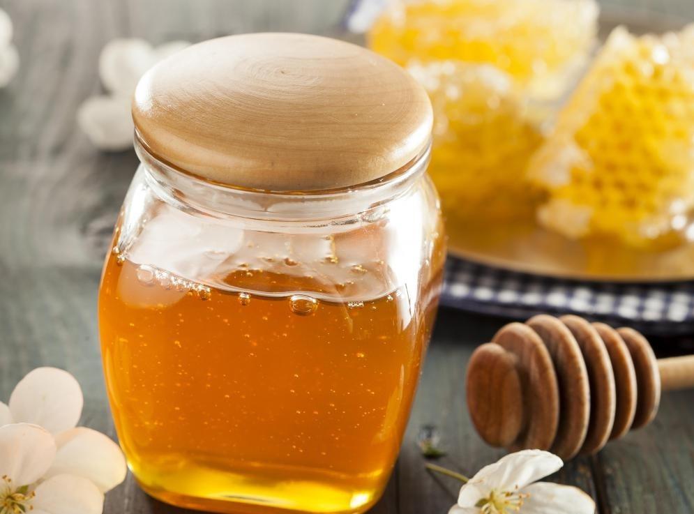 Только дети старше одного года должны есть мед.
