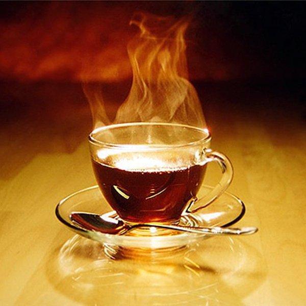 Такие нынче времена, — изрек мистер Норрис, приняв чашку чая, — тебе мешают жить, а ты мешаешь ложечкой чай.