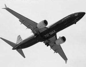 У новых Boeing 737 обнаружили смертельную ошибку Компания Boeing собирается предупредить операторов своей новейшей модели 737 Max о том, что ошибочные данные системы контроля за полетом могут