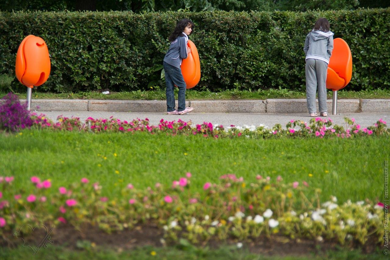 Стулья-тюльпаны из Недерландов
