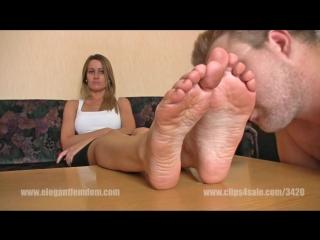EF - Demona Foot Smelling