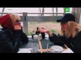 Вайкуле и Пугачёва снялись в шуточном ролике