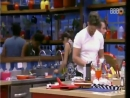 01-03-2017 - Parte 36 - Emilly lava a louça e Marcos ajuda na cozinha - Almoço fica pronto - Parte 2