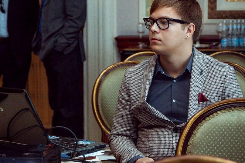 Дмитрий Бескромный |