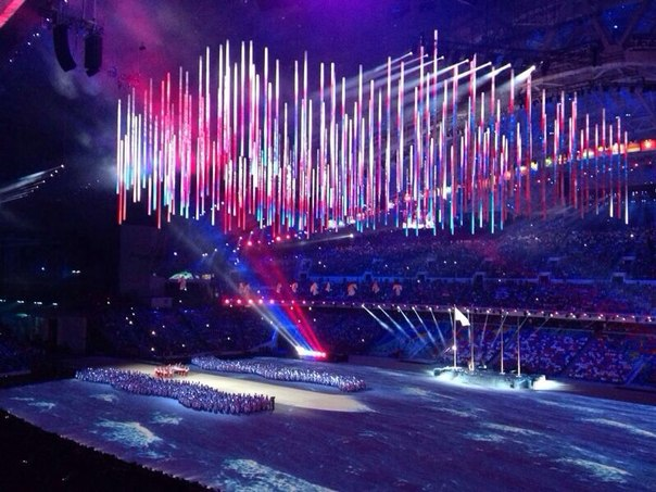 """Минута гордости: флаг России на стадион """"Фишт"""" вынесли атлеты нашей сборной!!! Гимн!"""