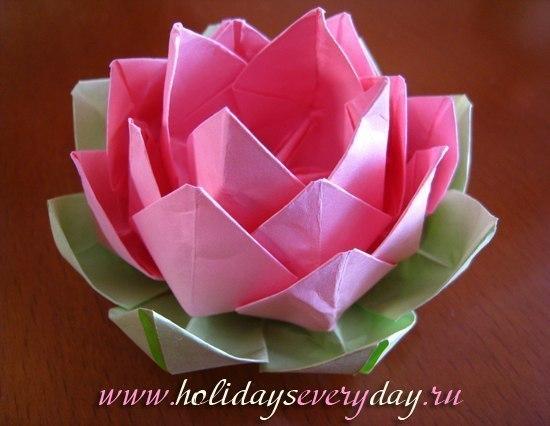 Как сделать лилию из бумаги (7 фото) - картинка
