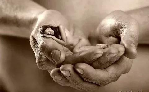 « мужчины, вы думаете женщины любят красавцев или героев нет, они любят тех, кто о них заботится. » анна андреевна