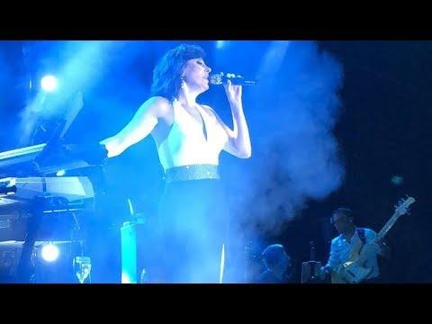 Funda Arar - Mutlu Ol Yeter Ankara Konseri Canlı