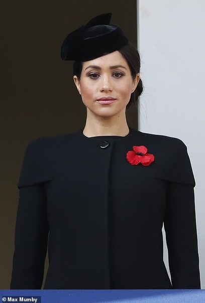 Королеву ждет налоговая проверка из-за Меган Маркл