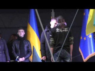 Юрія Михальчишина проганяють зі сцени львівського євромайдану