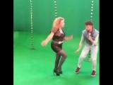 Марина Федункив и Сергей Лазарев танцуют под песню Киркорова