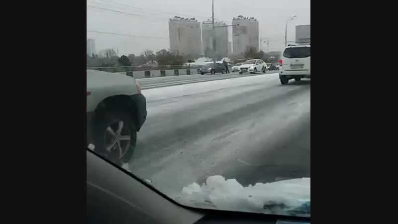 _lapo4kaА у нас первый снег 🌨 в Краснодаре. Кто-то радуется, а кто-то нет😱. Будьте аккуратнее на дорогах 🤞