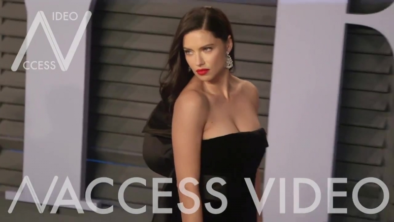 Adriana Lima at the Red Carpet of the 2018 Vanity Fair Oscar Party
