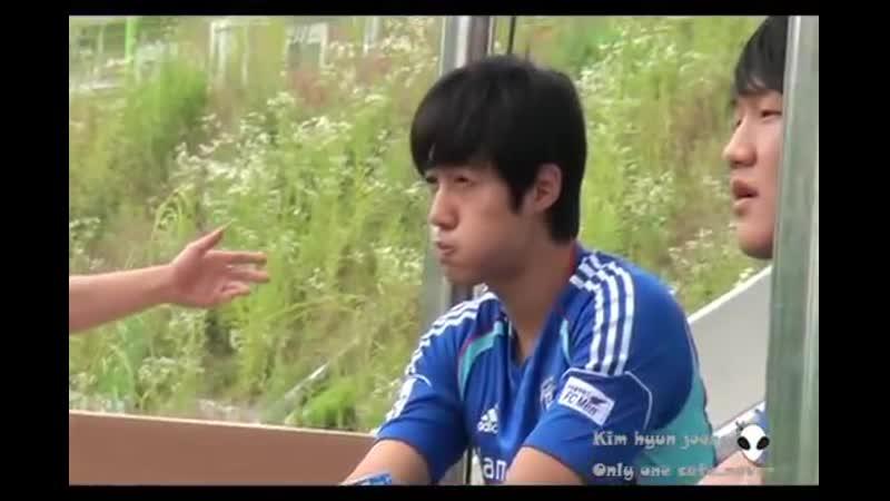 2013.06.23 Kim hyun joong송파구립주장(준비운동 슛팅연습중 ..)