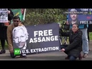 Les partisans d'Assange protestent devant la prison de Belmarsh où il est détenu