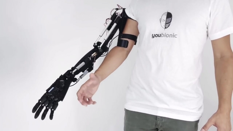 Роботизированная рука, созданная методом 3D-печати, выполняет реалистичные движения