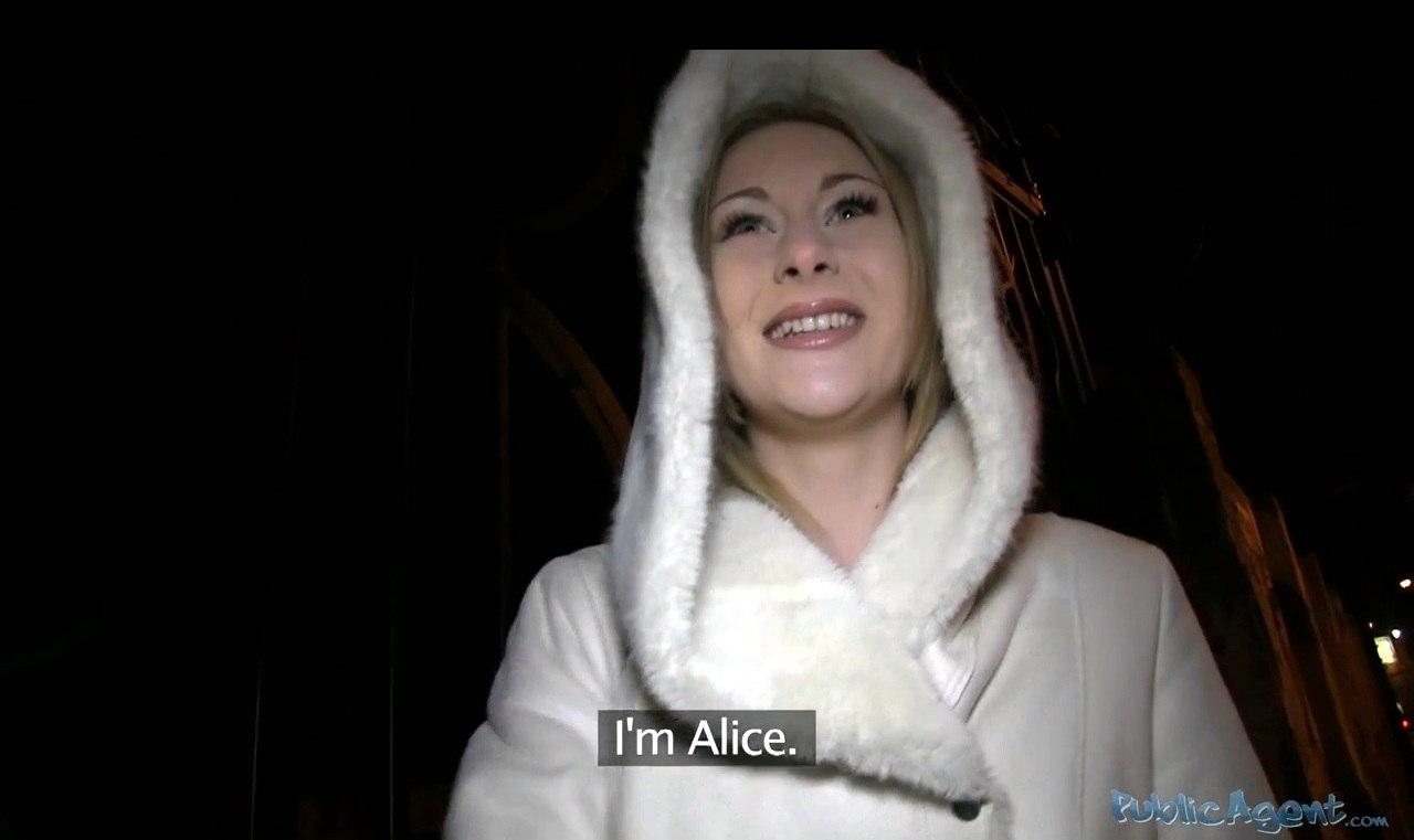 PublicAgent Alice E275 Русскую блондинку развел на секс