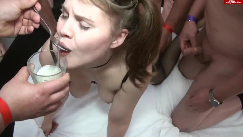kormyat-spermoy-s-lozhki-porno-porno-foto-devushki-transseksualki