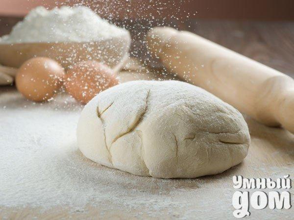 6 РЕЦЕПТОВ САМОГО ВКУСНОГО ТЕСТА! 1. Кефирное тесто с сыром Ингредиенты: - 1 чашка кефира - 1 чашка тертого сыра - 0,5 чайной ложки соли - 2/3 чайной ложки соды - 1 чайная ложка сахара - 2 стакана муки Если Вы натрете сыр на крупной терке, то получатся отличные лепешки и сосиски в тесте, а если на мелкой — получится хорошее тесто для другой мелкой выпечки, например рогаликов и т.д. 2. Пресное тесто на сметане Ингредиенты: - 1 стакан сметаны - 2 стакана муки - 2 столовые ложки сахара - 1 чайная…