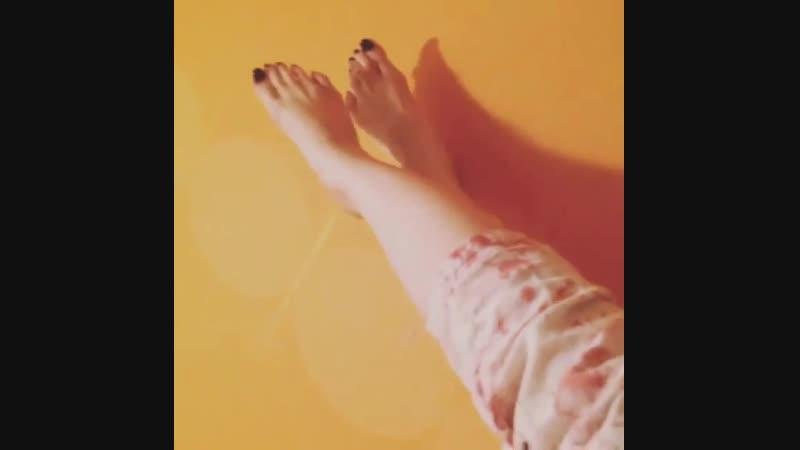 Beautiful feet / черный педикюр