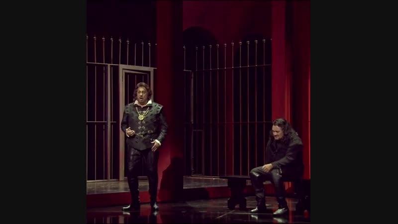 Rodrigo Carlos final duet. Placido Domingo Ramon Vargas.