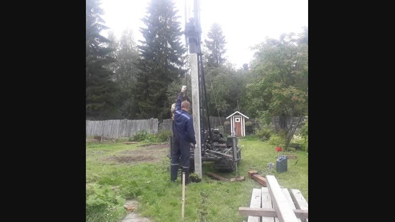Погружение 4х метровой сваи сечением 150 на 150 мм С40.15 в сот Ягодник