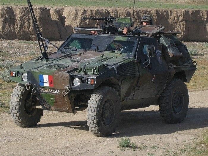 Легкий бронированный разведывательный автомобиль VBL (Véhicule Blindé Léger) Франция