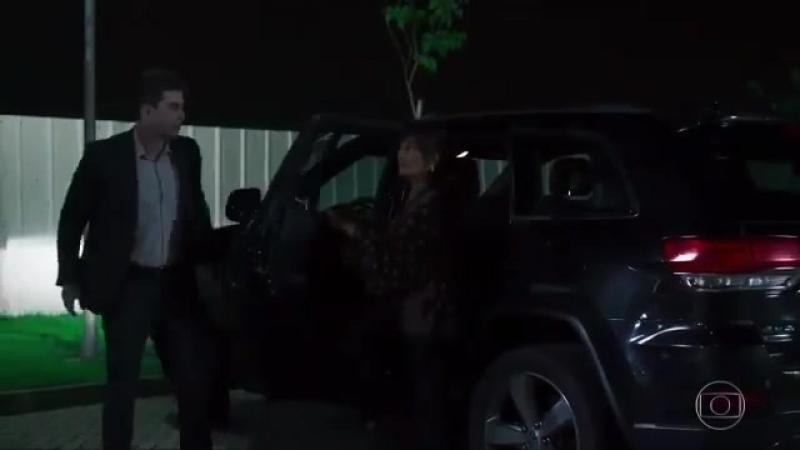OOutroLadodoParaíso Beth (Glória Pires) descobre a farsa de Renan (Marcello Novaes).