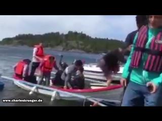 Gestelltes Video zeigt das gespielte Ertrinken eines 'Flüchtlings'_HD.mp4