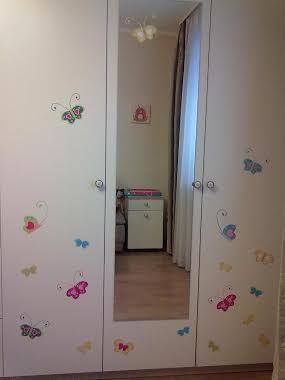 фото наклейки на мебель детскую бабочки