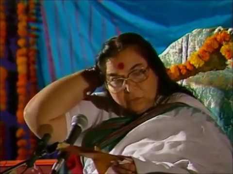 1988 12 21 Шри Матаджи показывает как делать себе массаж головы 21 декабря 1988 субтитры