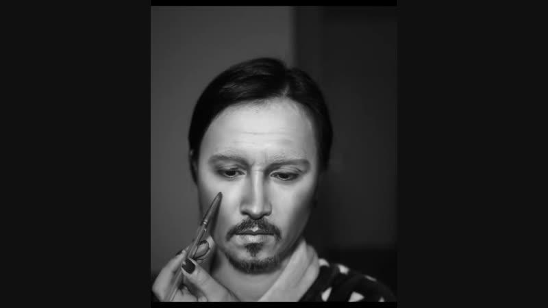 Imitation make up of Johnny depp