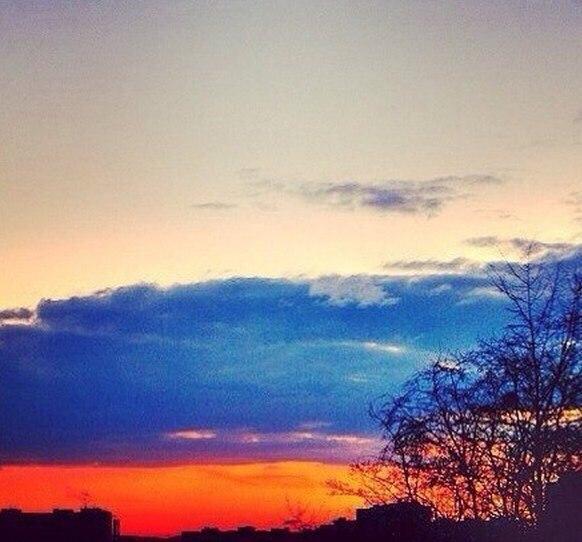 Смотри на небо простым приветом,
