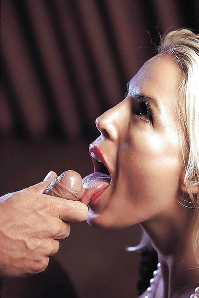 Blonde beautiful hand job tube