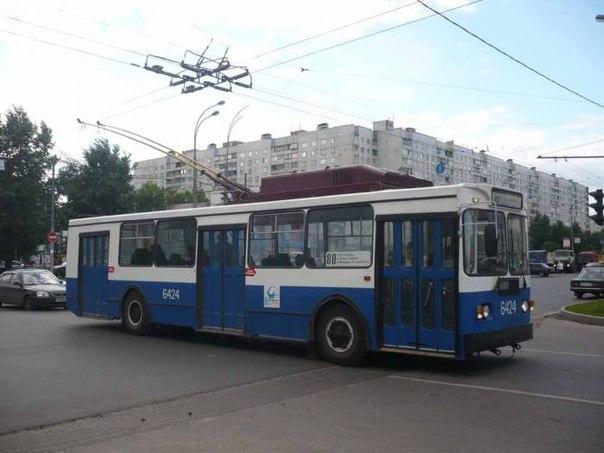 240 таких троллейбусов.