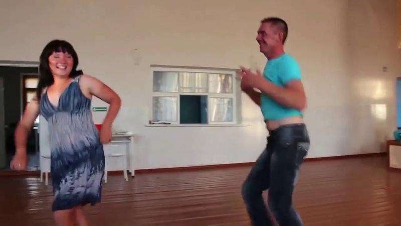 Подборка веселых танцев Смотреть всем Люди прикольно танцуют